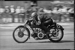 moto-guzzi-carreras-2g