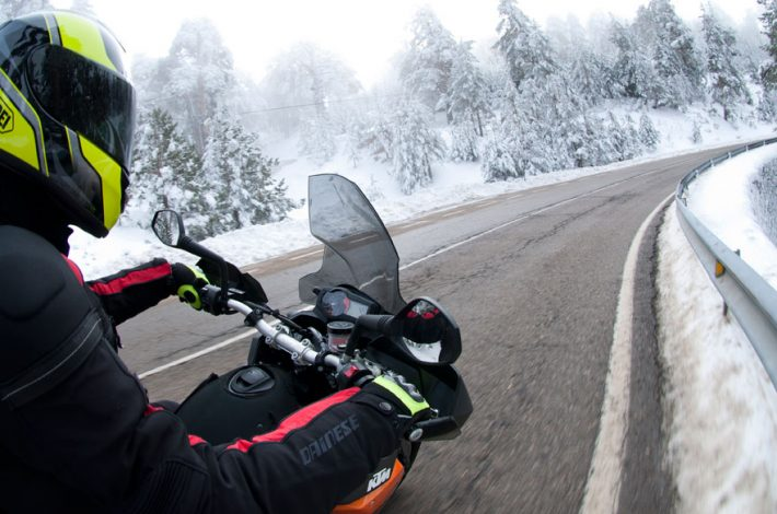 Consells de conducció de moto a l'hivern