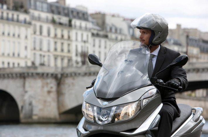 10 trucs útilsper anar segur a la teva moto o scooter