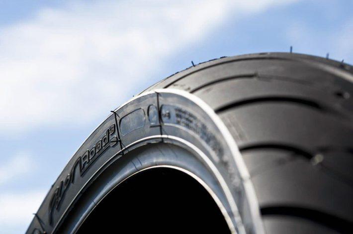 ¿Caducan los neumáticos de moto? Mitos y verdades descubiertas por Anoia Motos en Igualada