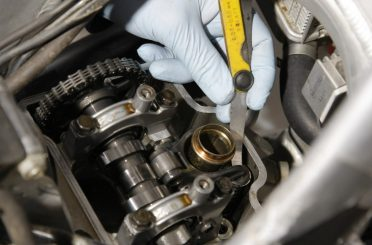 ¿Cuándo hacer el reglaje de válvulas en mi moto?